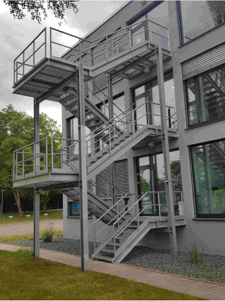 Fluchttreppe 2