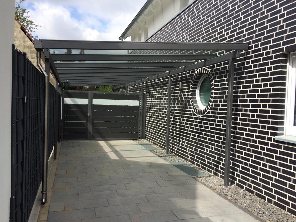 Carport mit Glasdach